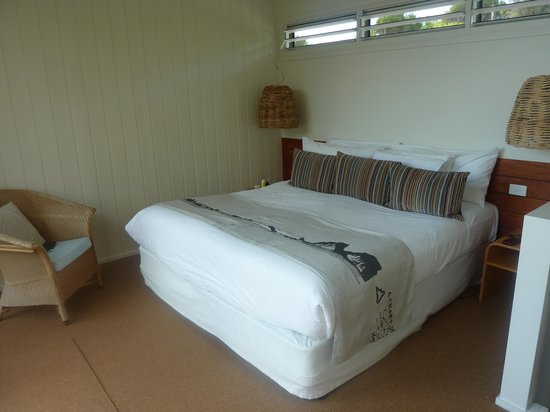 Capella Lodge: The bed on the second floor of the Lagoon Lodge