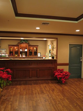 Country Inn & Suites By Carlson, Vero Beach-I-95: Front Desk