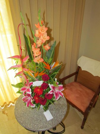 Grand Palladium Palace Resort, Spa & Casino: Wedding flowers