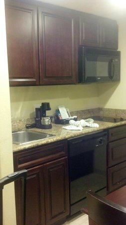 Homewood Suites by Hilton Lake Buena Vista-Orlando: Kitchen area