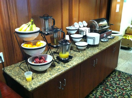 The Comfort Inn &amp; Suites Anaheim, Disneyland Resort: breakfast