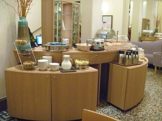 Corona Opera Hotel: BF buffet1