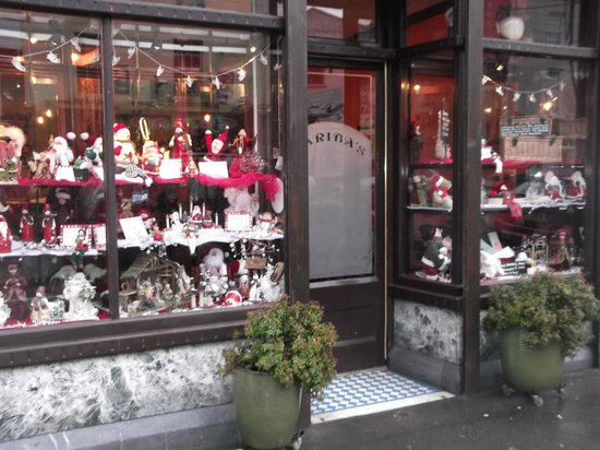 Ballinasloe, Irlandia: Beautiful Christmas Display