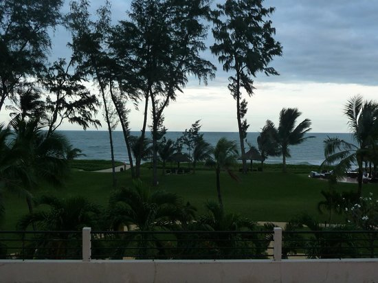 DuParc Phan Thiet Ocean Dunes & Golf Resort: Hotel grounds