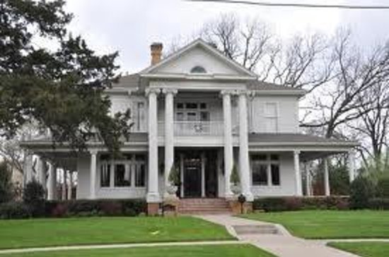 Swiss avenue historic district reviews dallas tx for Majestic homes bryan tx