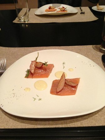 Lujan de Cuyo, Argentina: Smoked trout with radish