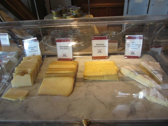 Storchen Zurich: Nice cheese selection.
