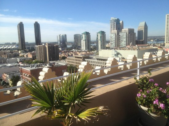 Gaslamp Plaza Suites: View from rooftop breakfast area