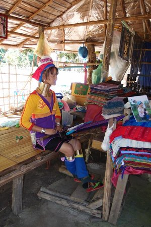 Hilltribe Villages: Long neck Hill tribe (Karen), Baan Tong Luang Hill Tribes Village
