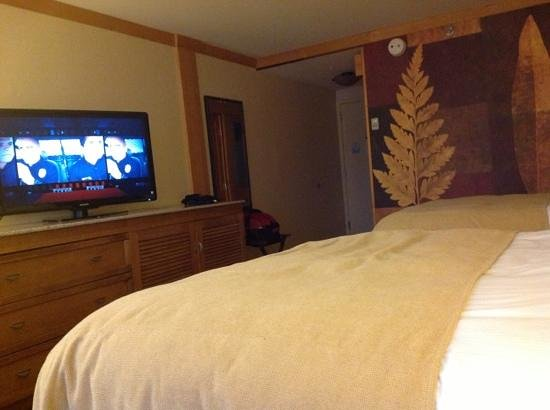 High Peaks Resort: the double- bed room