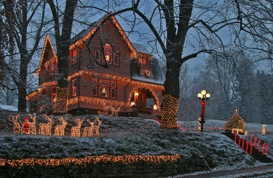 """Christmas at """"The Terraces"""" 821 Fifth Ave. Williamsport, PA"""