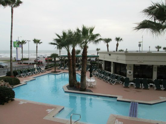 Holiday Inn Resort Galveston-On The Beach: view overlooking pool