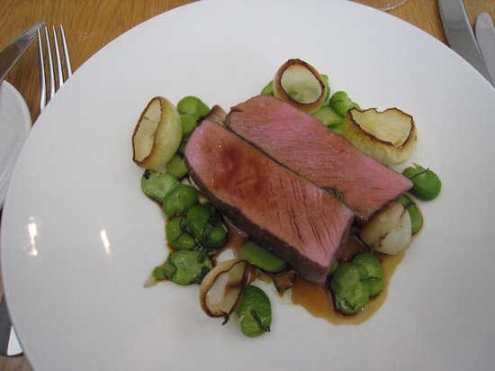 Dunkeld, Australia: Melt in the mouth lamb with broad beans