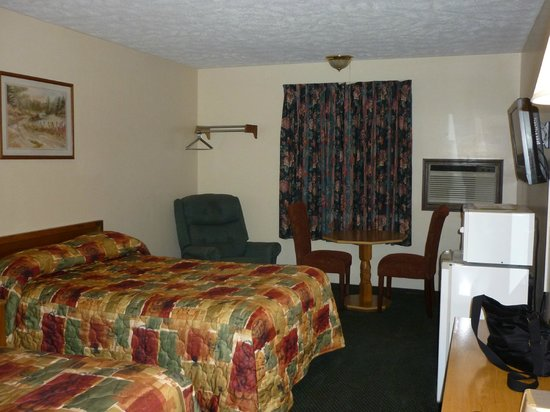 Baxter Springs, KS: Room