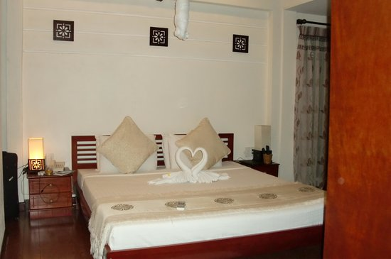 Long Life Riverside Hotel: Deluxe with balcony