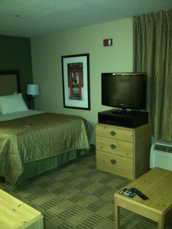 Extended Stay America - Seattle - Bothell - Canyon Park: TV &amp; Bed