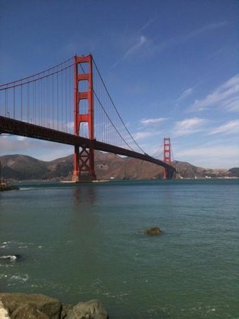 ‪‪Green Tortoise Hostel - San Francisco‬: GT is about a 20 min walk from Pier39. you can then hire a bike & cycle to the Golden Gate Bridg‬