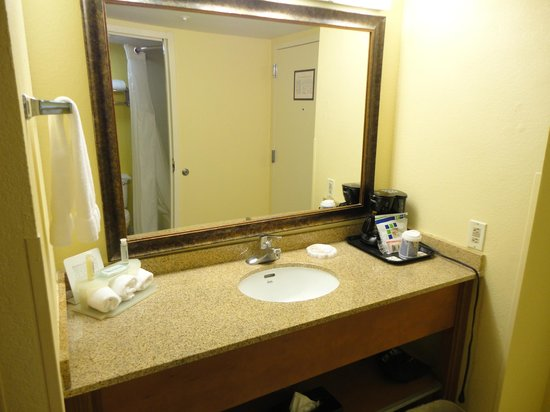Holiday Inn Express Miami Airport Doral Area: sdb