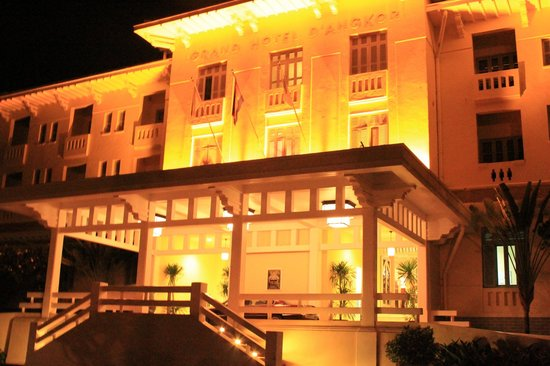 Raffles Grand Hotel d'Angkor: At Night