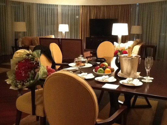 Four Seasons Hotel Macau, Cotai Strip: Dining room