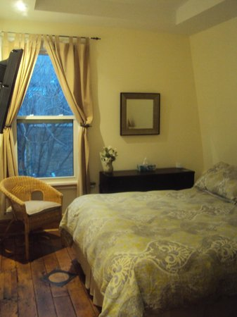 House on McGill: Guest Room