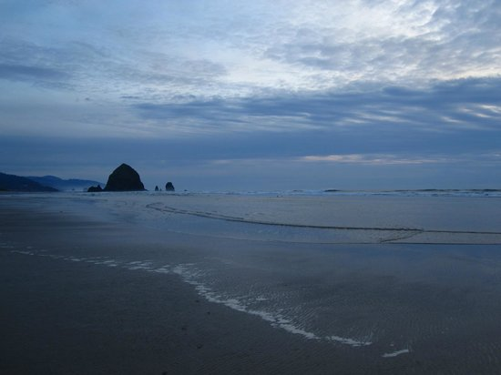 Land's End at Cannon Beach: View from the beach just down the stairs from the hotel!
