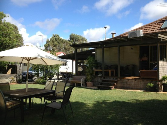 Dongara Backpackers - Breeze Inn