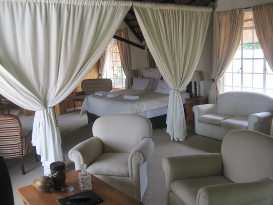 Blue Haze Country Lodge: The Kings room, King Goodwill Zwelitini