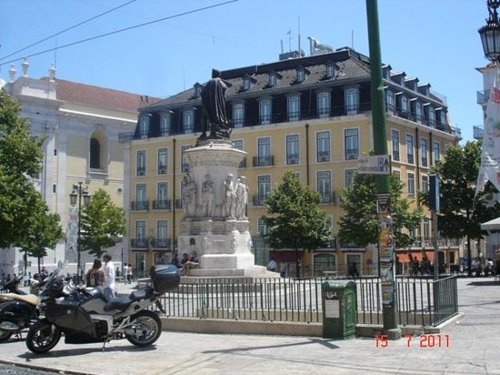 Bairro Alto Hotel: View from the square