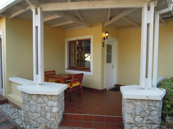 Cornerstone Guesthouse: Our private leisure area outside out room