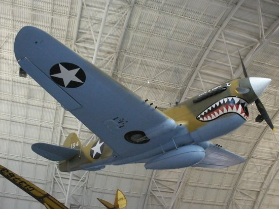 Chantilly, VA: Beaut Kittyhawk P-40.