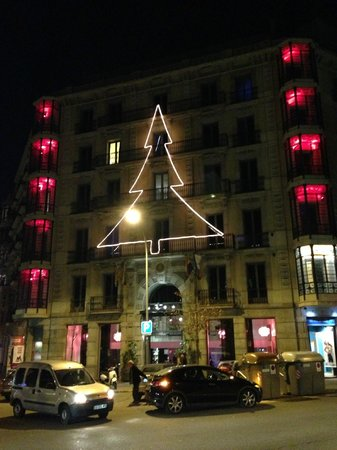Axel Hotel Barcelona: Looking all Christmassy