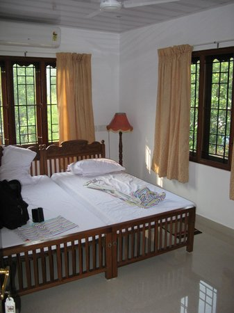 Beena Homestay: Chambre twin beds