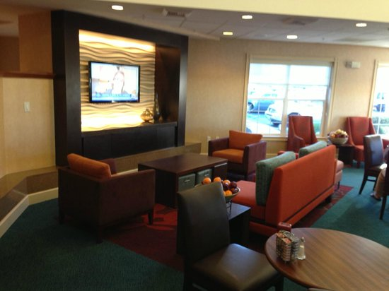 Residence Inn San Diego Scripps Poway Parkway: Lounge Area