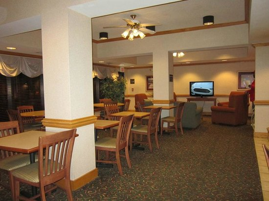 Hampton Inn White River Junction : dining area