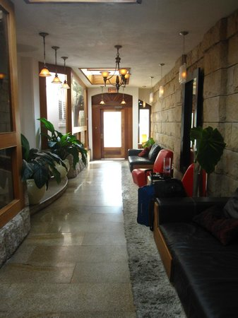 Acacia Boutique Hotel:                   Entrance