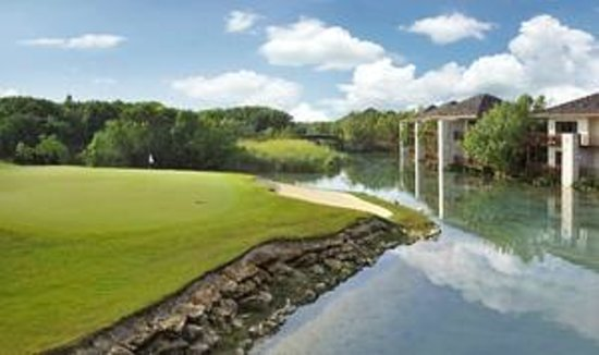 Fairmont Mayakoba: View of El Camaleon Golf Course from the Casitas