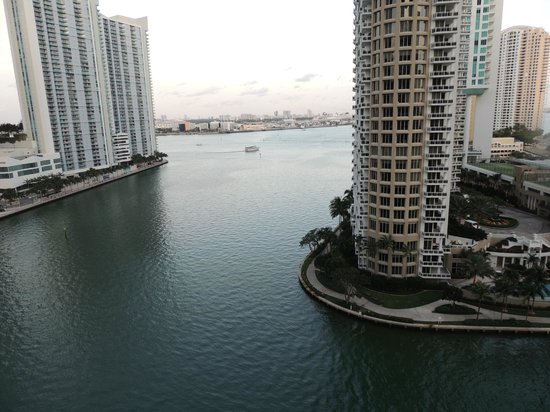 Viceroy Miami: view from the restaurant on the 15th floor