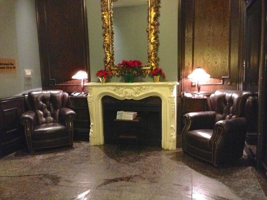One King West Hotel & Residence: living room area in lobby