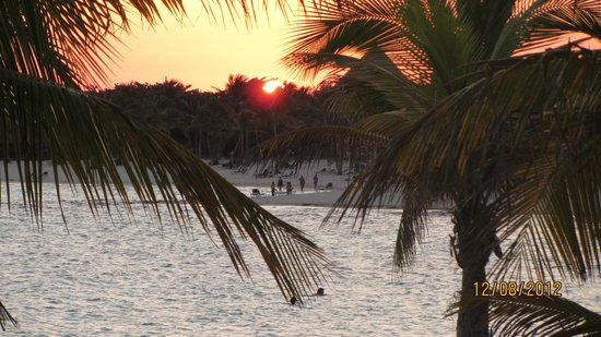 Barcelo Maya Tropical: Sunset from the wedding