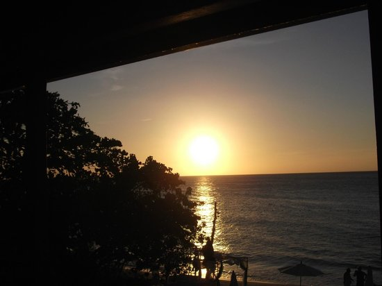 Negril Tree House Resort: Sunset from balcony