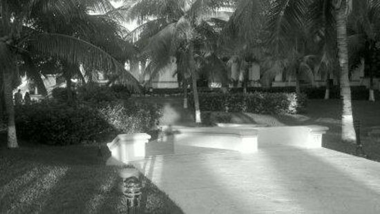 Aventura Spa Palace: grounds
