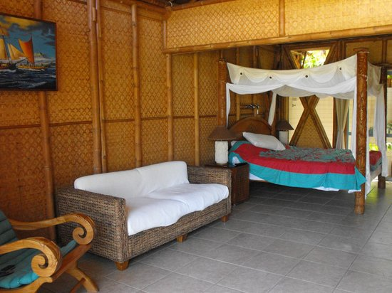 Magic Reef Bungalows: nice big room