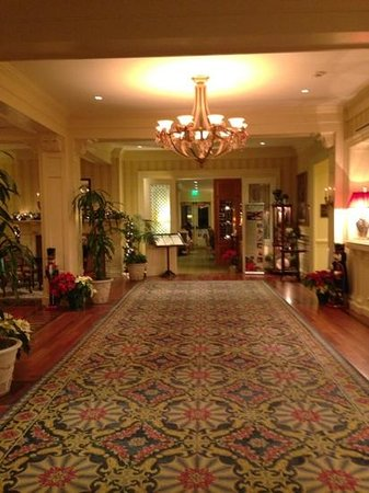 New Castle, NH: Lobby