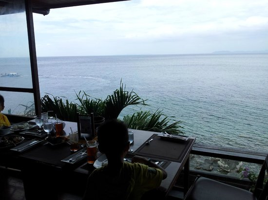 Eagle Point Resort: View every morning at breakfast