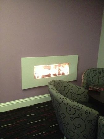 Mercure Nottingham City Centre Hotel: the cosy fire in the bar