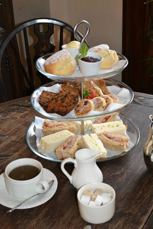 Llandovery, UK: Castle Afternoon Tea
