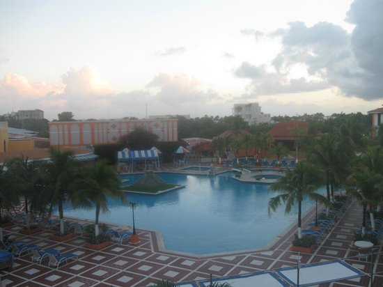 Hotel Cozumel and Resort: pool area