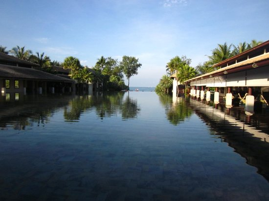JW Marriott Phuket Resort & Spa: The view from the foyer