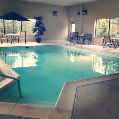 Comfort Suites Chantilly: Their pool (: